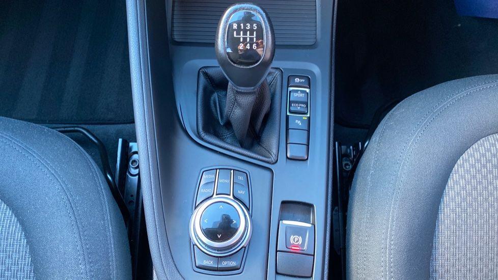 Image 12 - BMW sDrive18d SE (CX66WGJ)