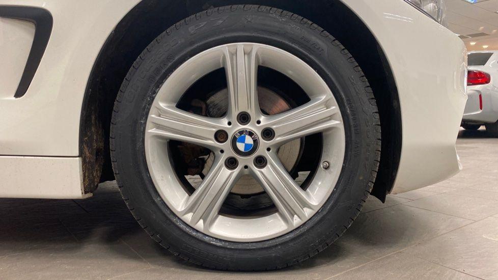 Image 14 - BMW 420i xDrive SE Coupe (PE17MVF)