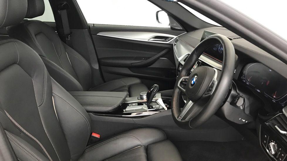 Image 11 - BMW 520d M Sport Touring (YB69VCJ)