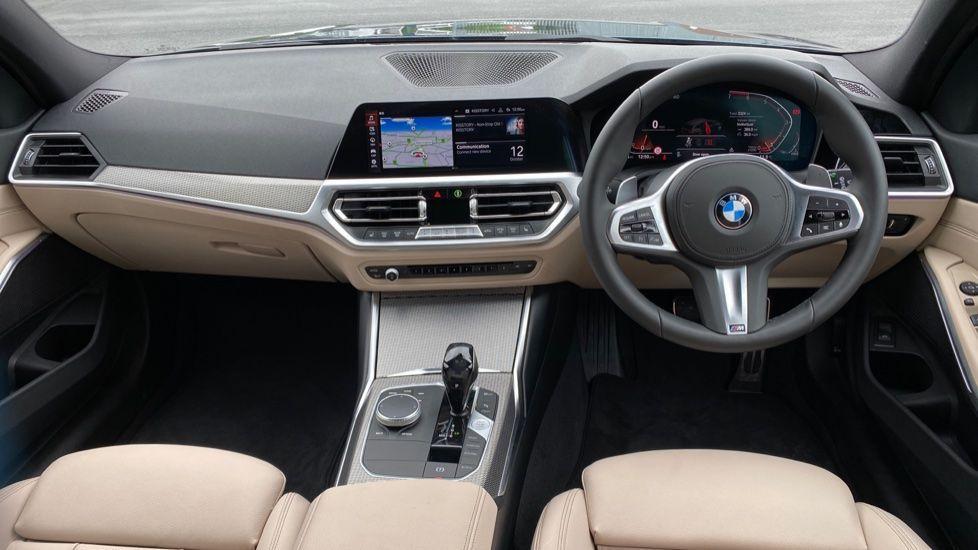 Image 4 - BMW 320i M Sport Touring (YG20JJV)