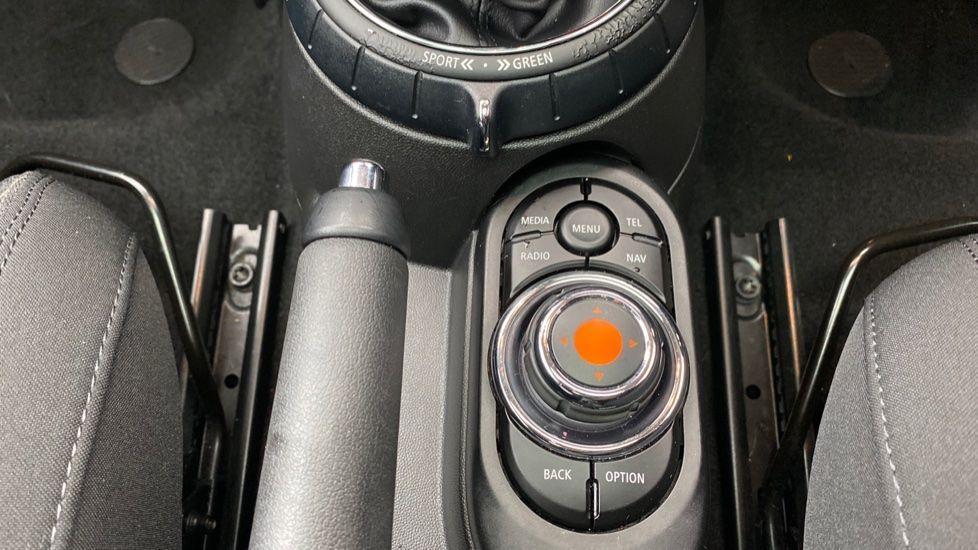 Image 23 - MINI Hatch (DE17KMA)