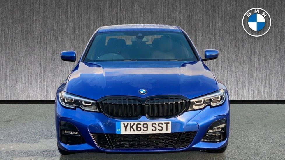 Image 16 - BMW 320d M Sport Saloon (YK69SST)