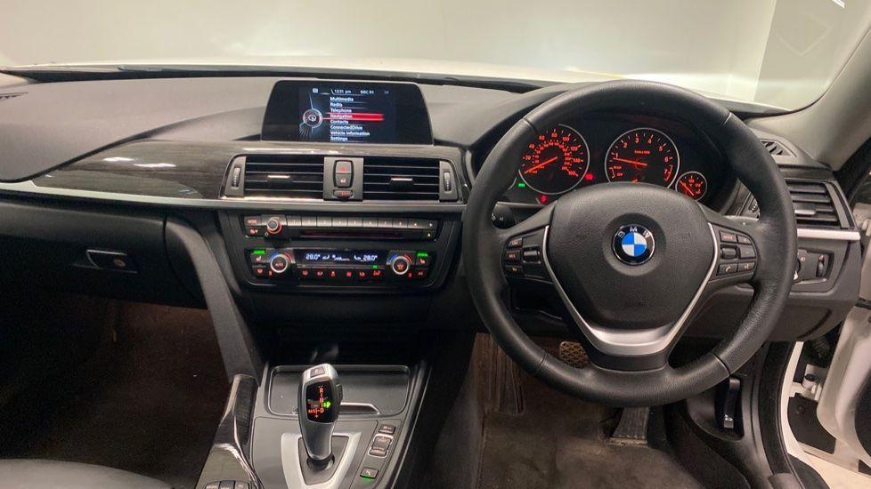 Image 4 - BMW 420i xDrive SE Coupe (PE17MVF)