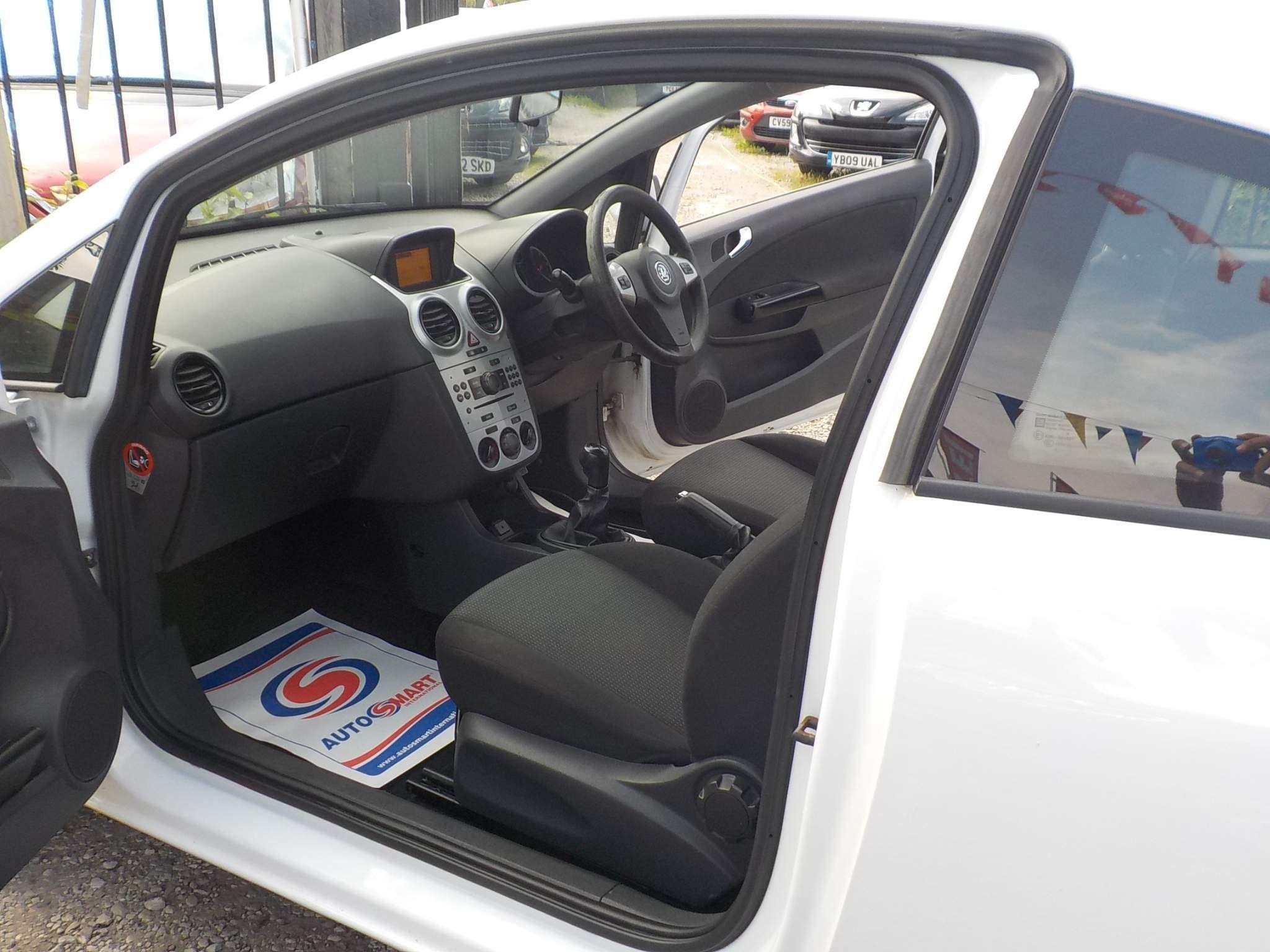Vauxhall Corsa 1.2 i 16v Excite 3dr
