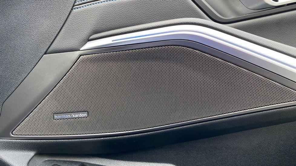 Image 20 - BMW 330e M Sport Touring (MA70HOH)