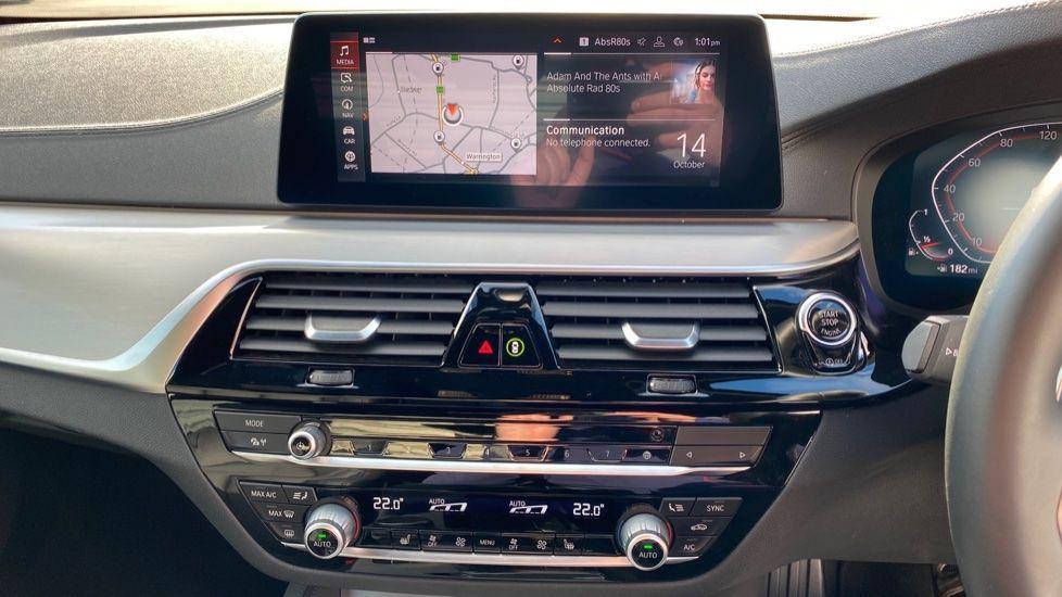 Image 7 - BMW 520i M Sport Saloon (YE69FDM)