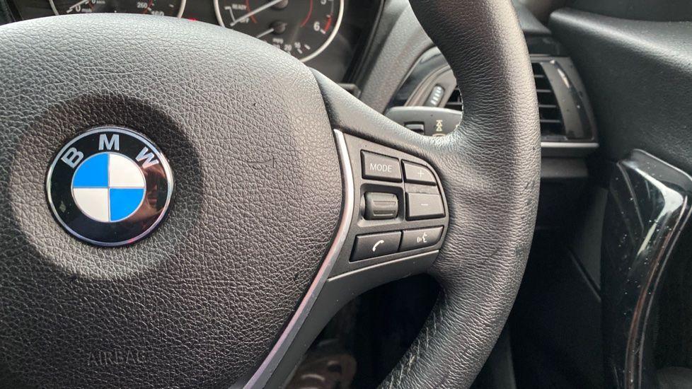Image 18 - BMW 118d Sport 5-Door (NL67GSV)