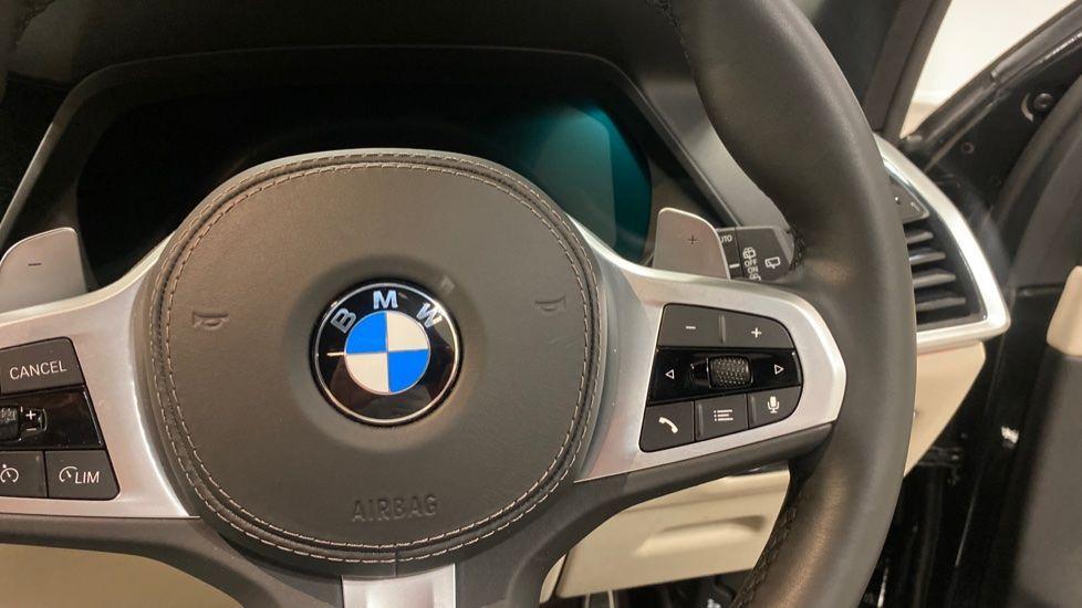 Image 18 - BMW xDrive40i M Sport (YE20DWY)