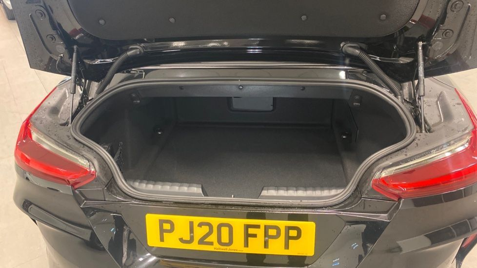 Image 13 - BMW sDrive20i M Sport (PJ20FPP)