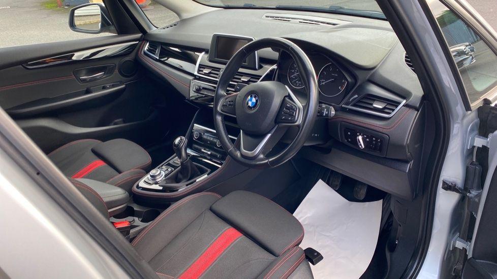 Image 5 - BMW 218d Sport Active Tourer (MM64WGE)