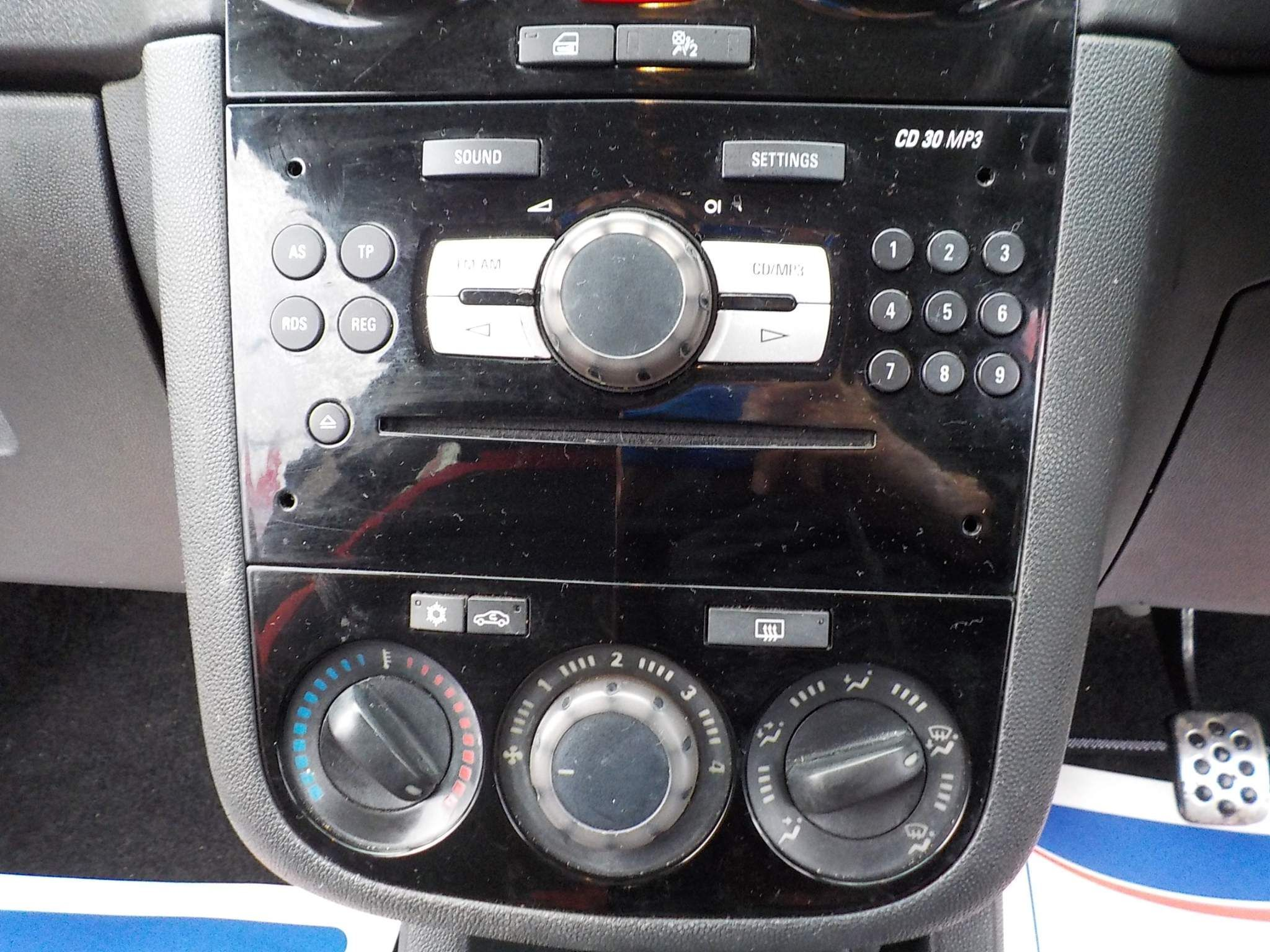 Vauxhall Corsa 1.4 i 16v SRi 3dr (a/c)