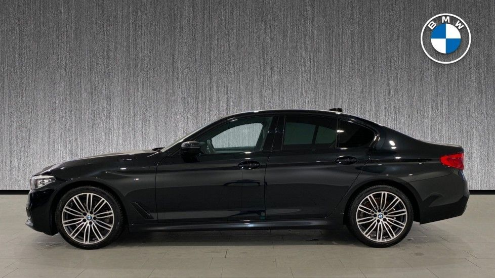 Image 3 - BMW 520i M Sport Saloon (YG69GGE)