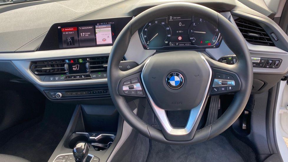 Image 8 - BMW 118i SE (CX20JXW)