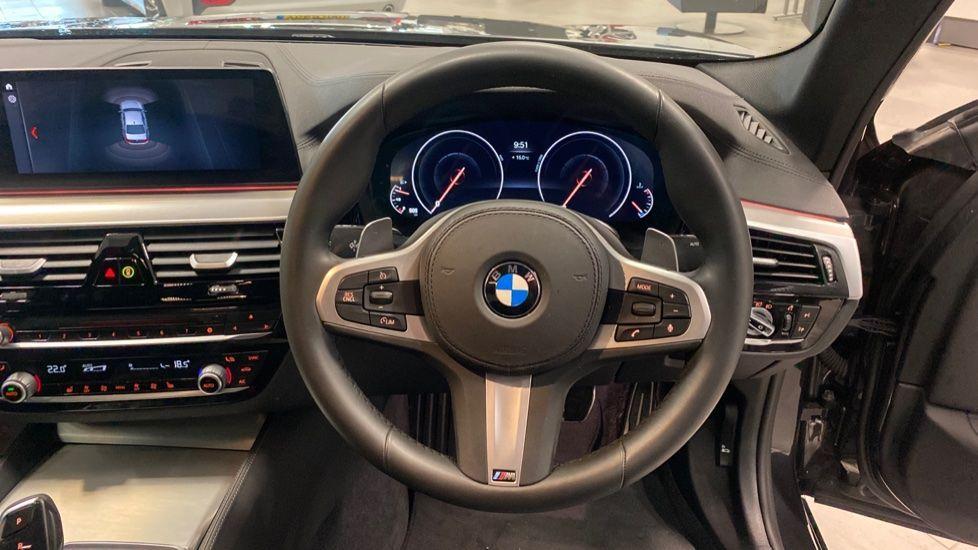 Image 8 - BMW 520i M Sport Saloon (YJ69VAC)