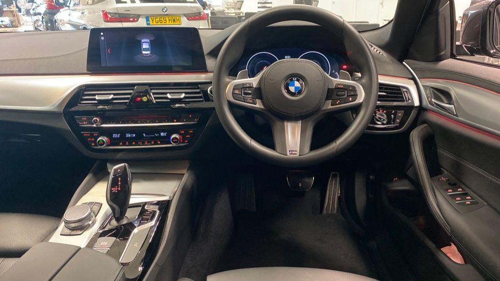 Image 4 - BMW 520i M Sport Saloon (YJ69VAC)