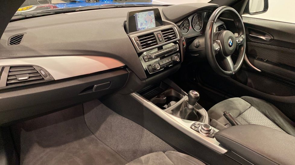 Image 10 - BMW 118d M Sport 3-Door (YD16PBC)
