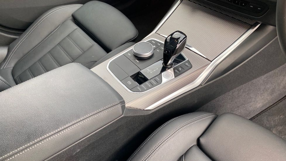 Image 10 - BMW 320d M Sport Saloon (YB69WNN)
