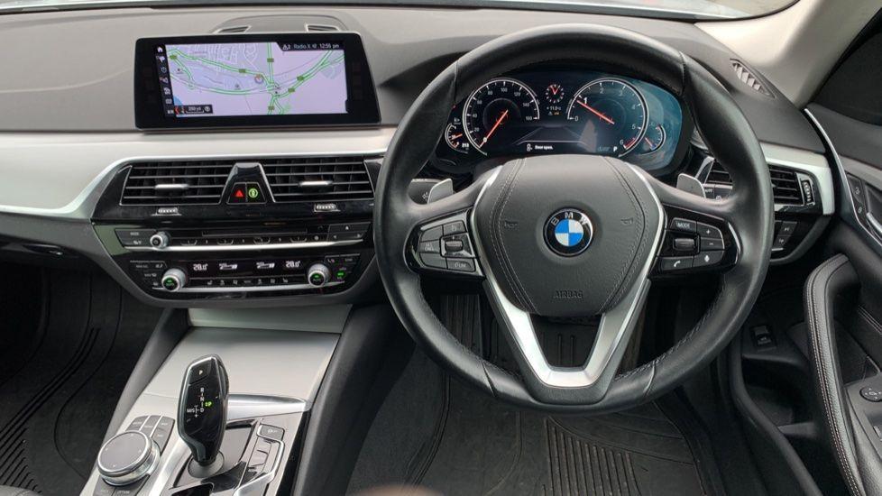 Image 8 - BMW 520d xDrive SE Touring (CY67FUD)