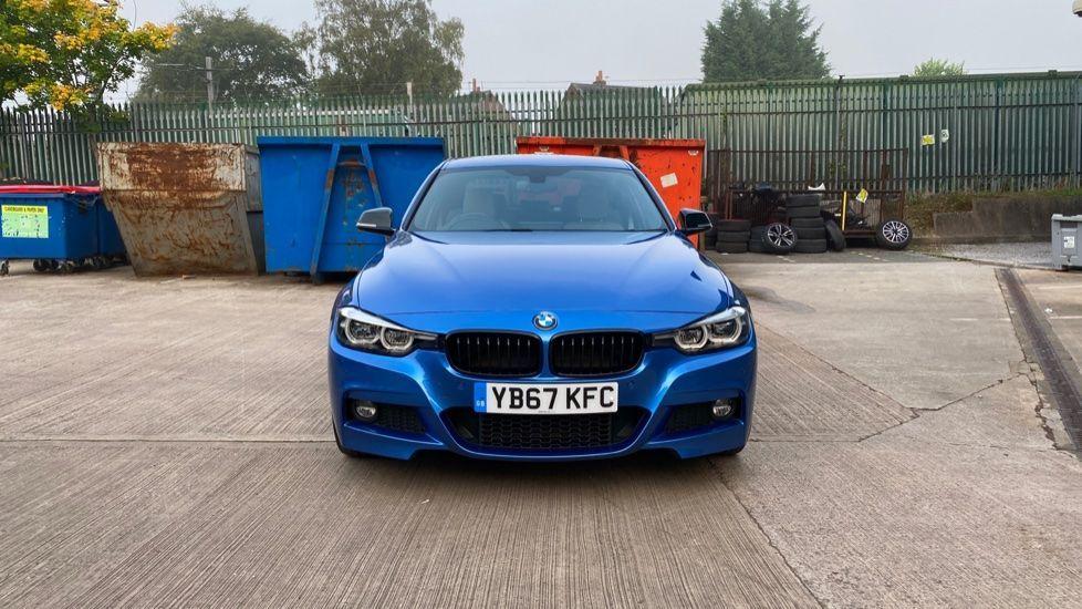 Image 16 - BMW 320i xDrive M Sport Shadow Edition Saloo (YB67KFC)