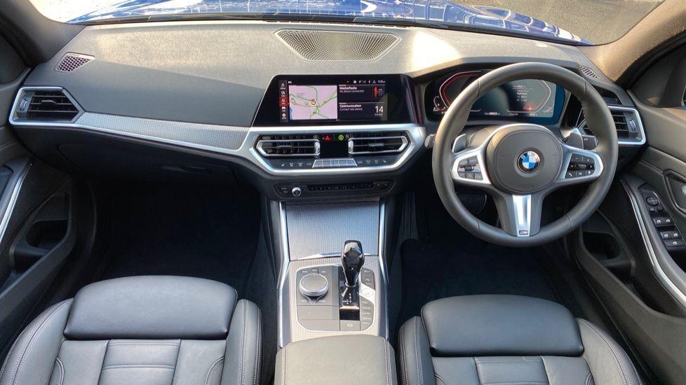 Image 4 - BMW 320d M Sport Saloon (YK69SST)