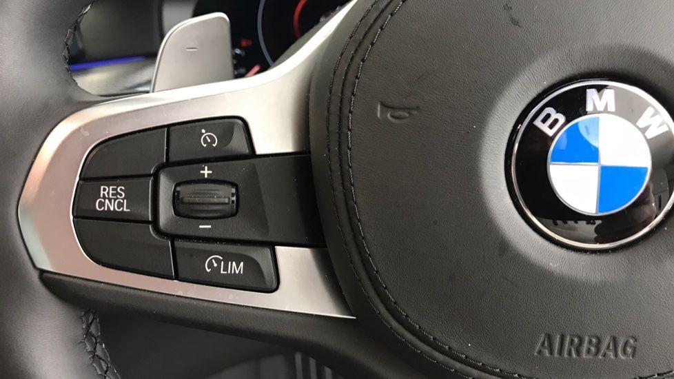 Image 17 - BMW 530e M Sport iPerformance Saloon (YC19ZYW)