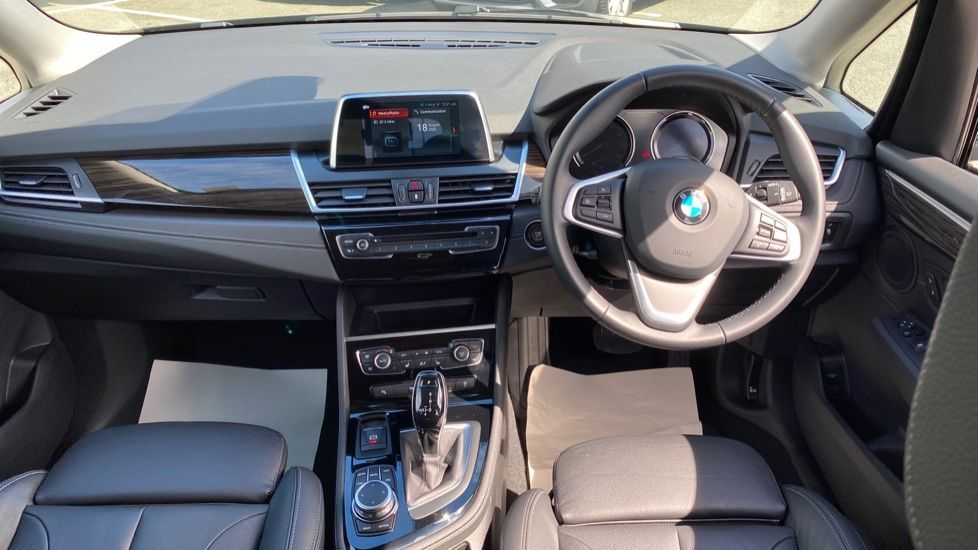 Image 4 - BMW 218i Luxury Active Tourer (YC69FNN)