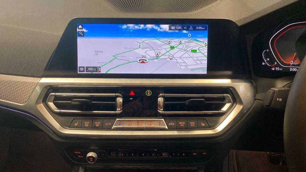Image 7 - BMW 320i M Sport Saloon (YG20NWC)