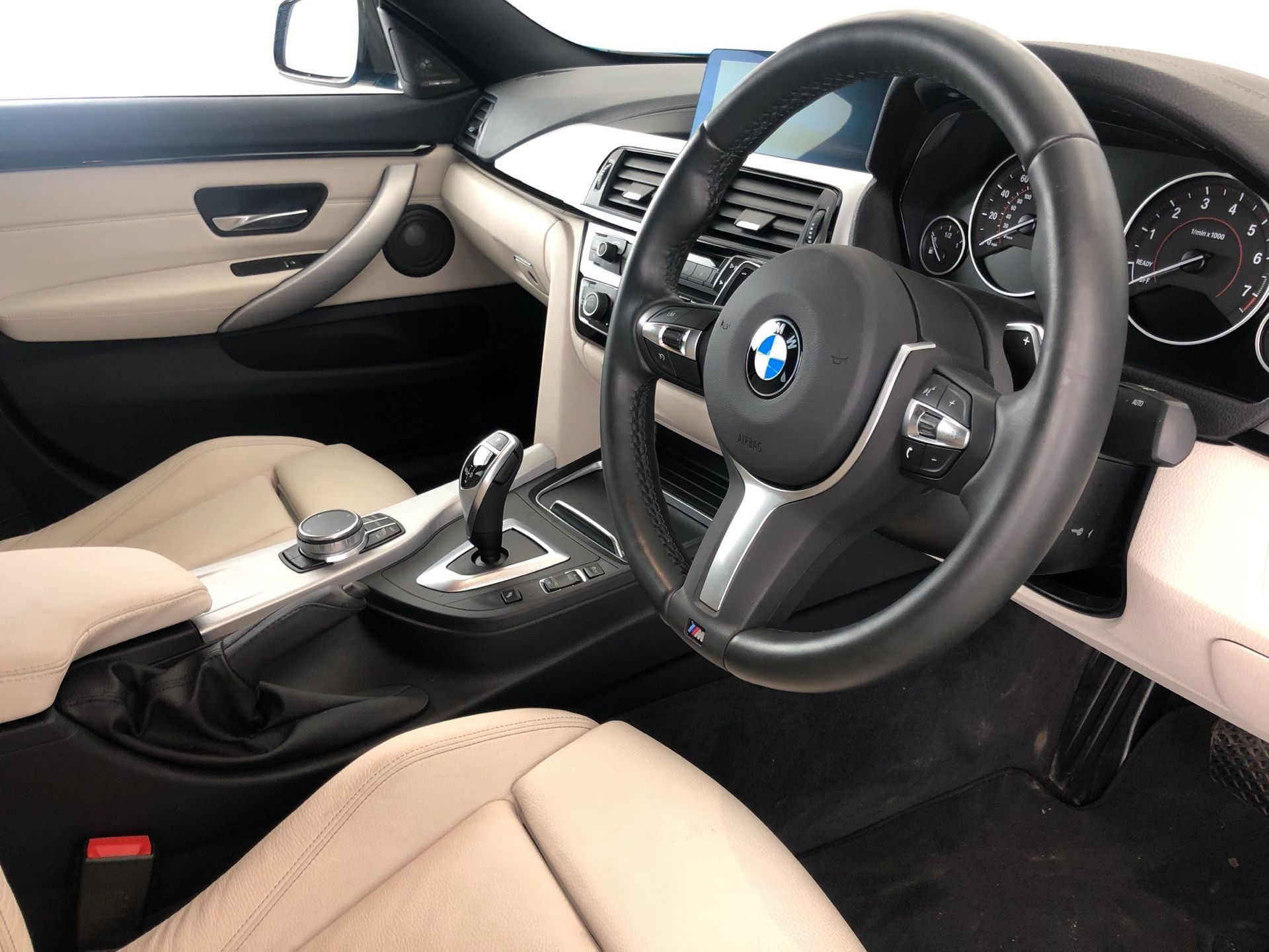 Image 4 - BMW 420i M Sport Gran Coupe (YH19MOU)