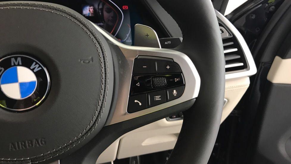 Image 18 - BMW xDrive40i M Sport (YF69MVJ)