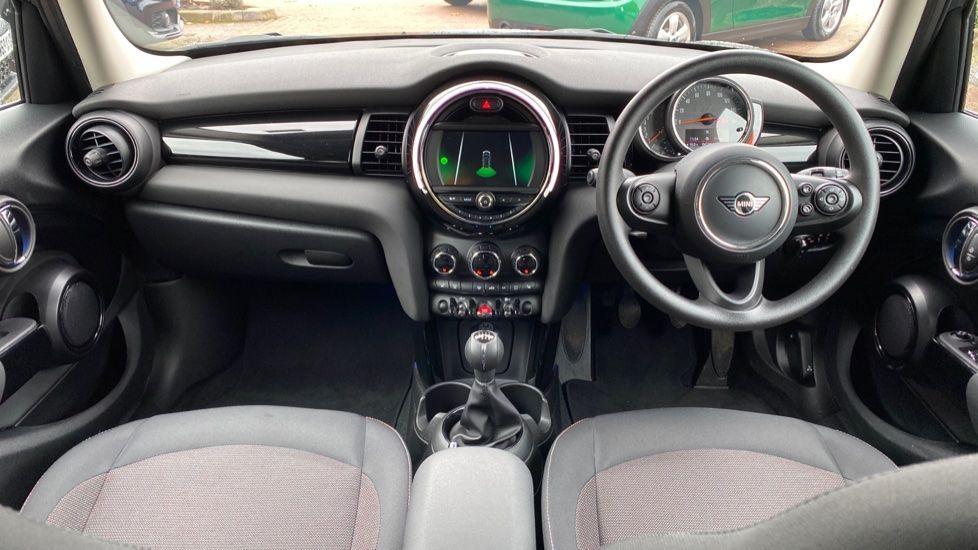 Image 4 - MINI Hatch (MX69WRG)