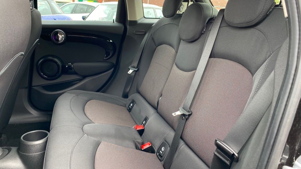 Image 12 - MINI Hatch (MX69WRG)