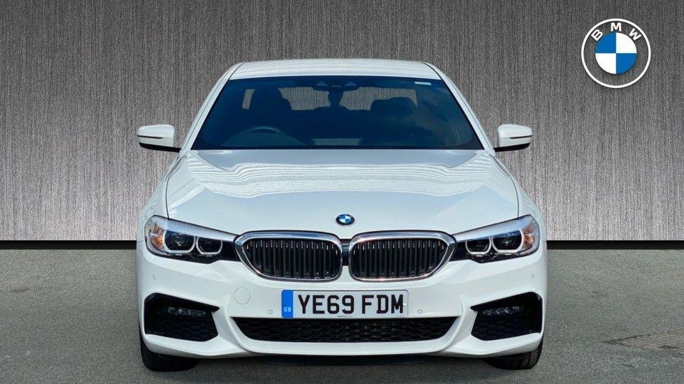 Image 16 - BMW 520i M Sport Saloon (YE69FDM)