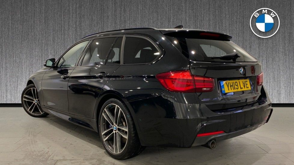 Image 2 - BMW 318d M Sport Shadow Edition Touring (YH19LVE)