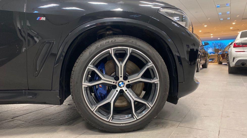 Image 14 - BMW xDrive40i M Sport (YE20DWY)