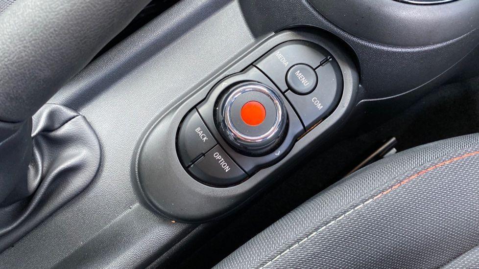 Image 19 - MINI Hatch (YG20XXS)