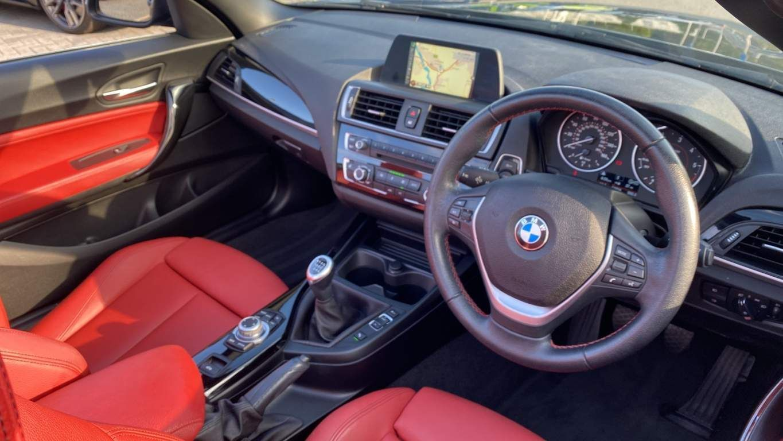 Image 6 - BMW 218d Sport Convertible (MJ17EAY)