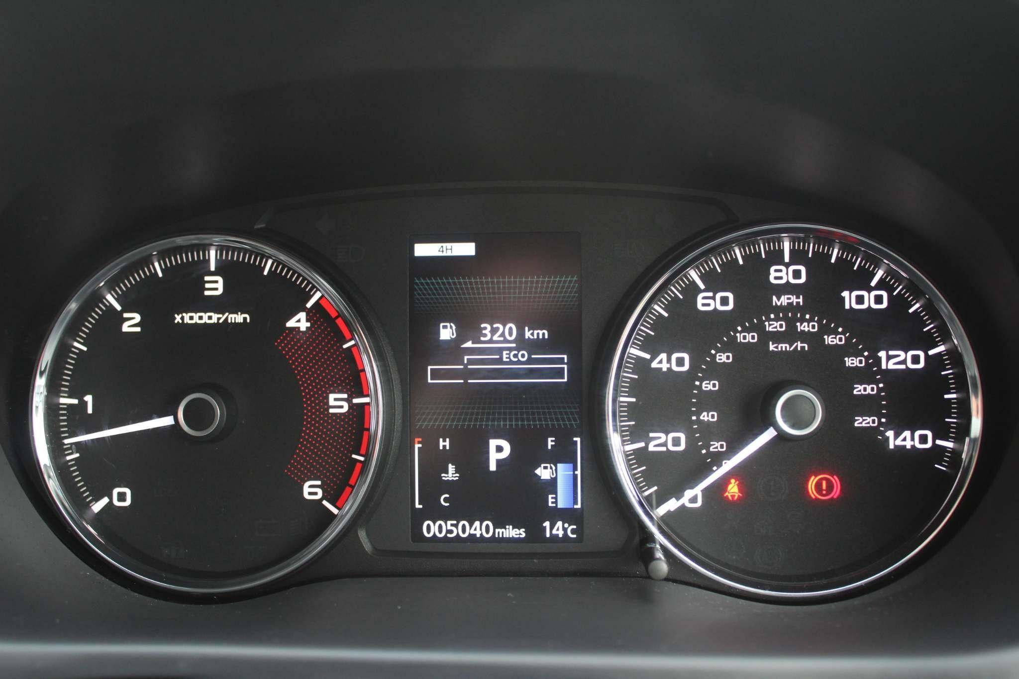Mitsubishi Shogun Sport Images
