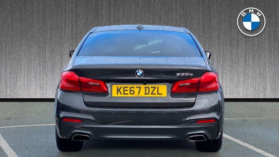 Image 15 - BMW 530e M Sport iPerformance Saloon (KE67DZL)