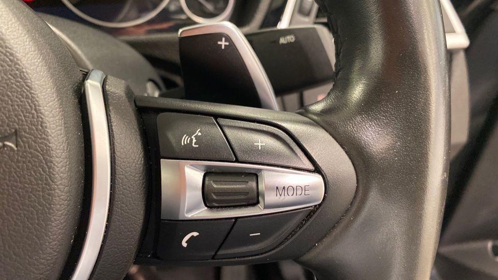 Image 9 - BMW 330d M Sport Saloon (MM17UNE)