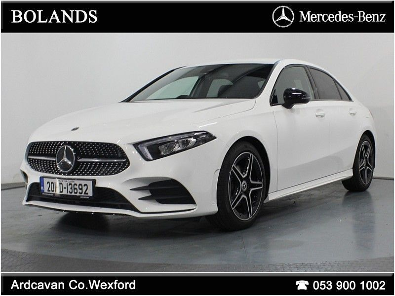Mercedes-Benz A-Class A180 AMG Line with Smartphone Integration and Nightpackage *Demo*