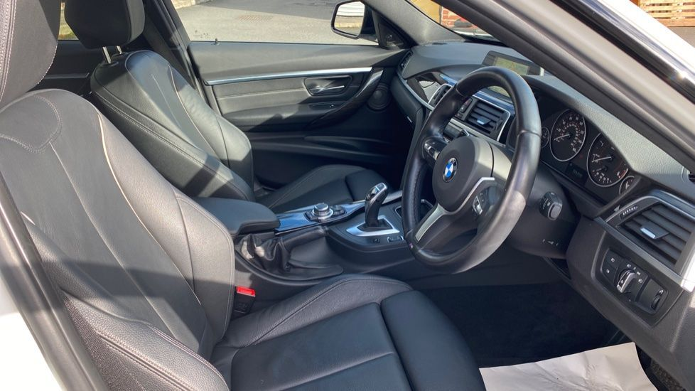 Image 11 - BMW 335d xDrive M Sport Saloon (MA17YDH)
