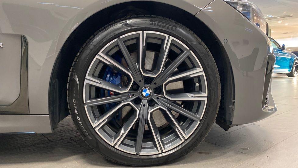 Image 14 - BMW 745Le xDrive M Sport Saloon (YG20OWX)