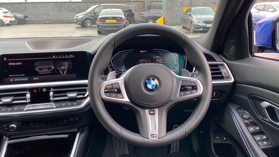 Image 5 - BMW 330e M Sport Touring (MA70HOH)