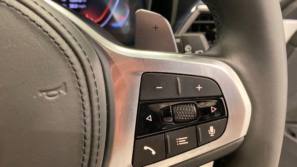 Image 9 - BMW 320i M Sport Touring (YG20DNX)