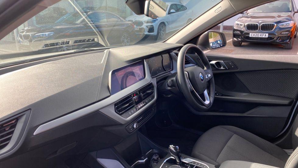 Image 6 - BMW 118i SE (CX20JXW)