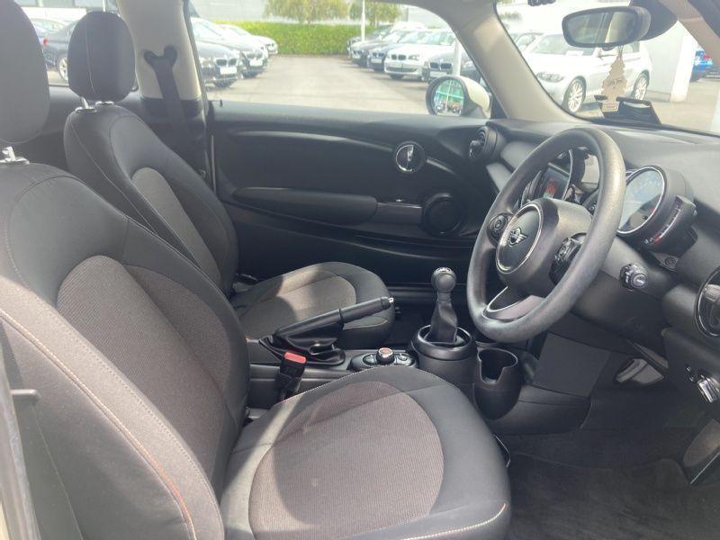 Used MINI Hatch 3-Door Hatch One Classic (2019 (191))