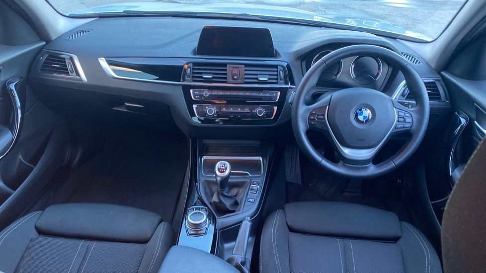 Image 4 - BMW 118i Sport 5-door (ML68OLU)