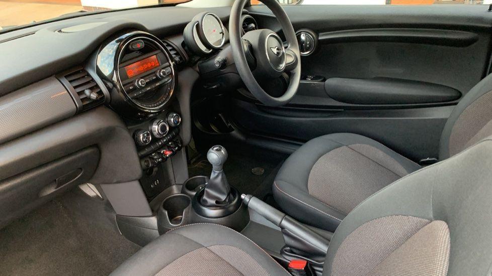 Image 6 - MINI Hatch (CX18SWF)