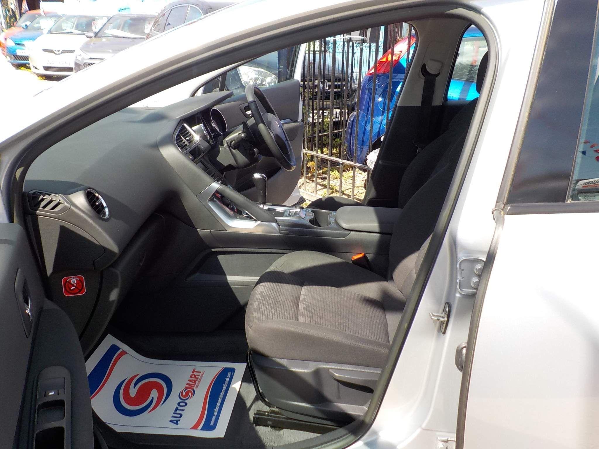 Peugeot 3008 1.6 e-HDi FAP Active EGC 5dr