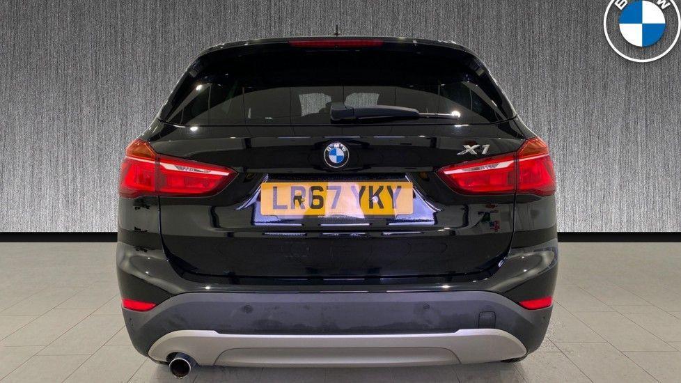 Image 15 - BMW xDrive18d SE (LR67YKY)